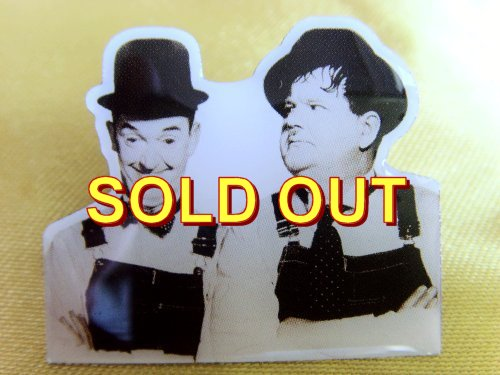 BUSY BODIES Laurel and Hardy pin badge