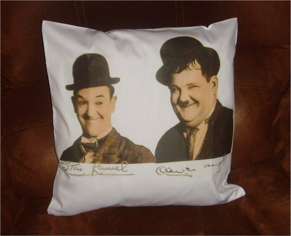 Laurel and hardy Cusion Cover